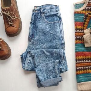Vintage • high rise acid wash denim mom jeans